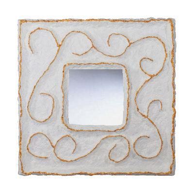 Spiegels van papier-maché